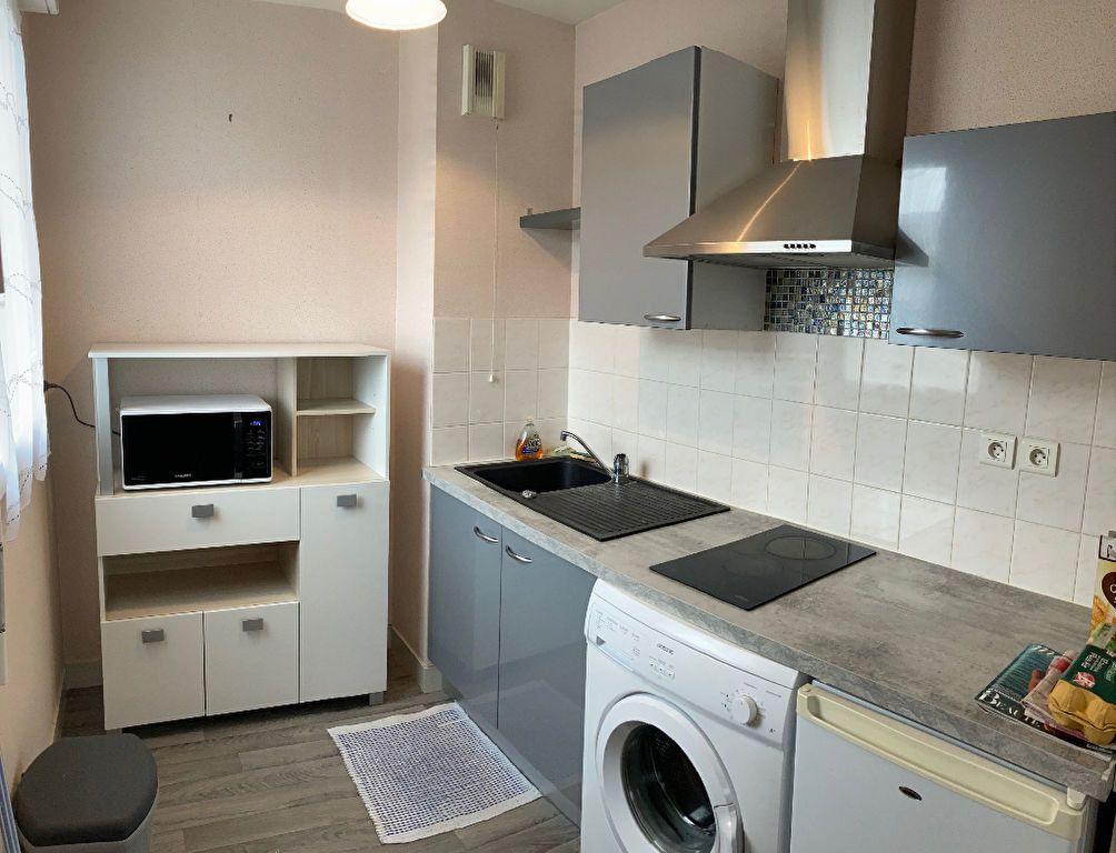 Appartement à louer 1 34m2 à Limoges vignette-4