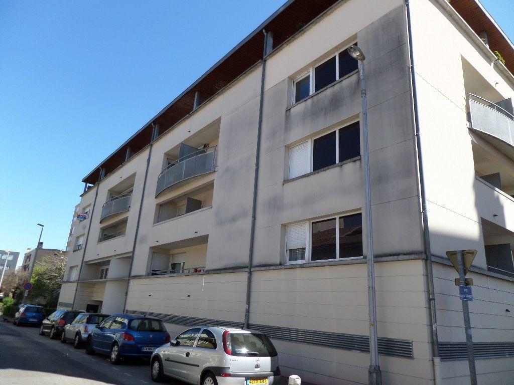 Appartement à louer 1 34m2 à Limoges vignette-5