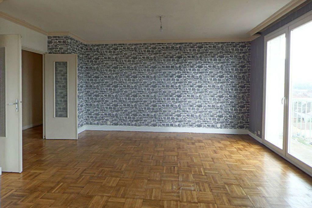 Appartement à louer 4 77.94m2 à Limoges vignette-1