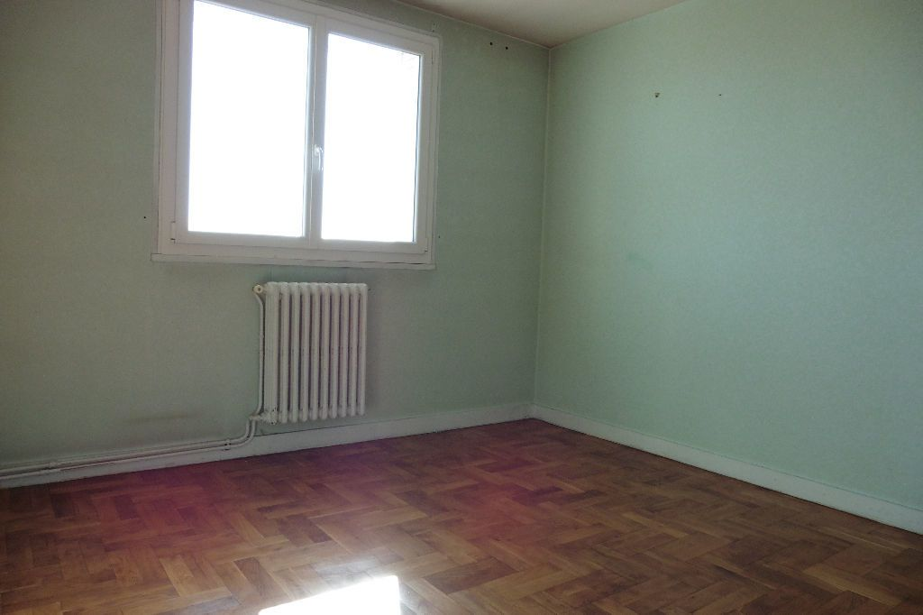 Appartement à louer 4 77.94m2 à Limoges vignette-5
