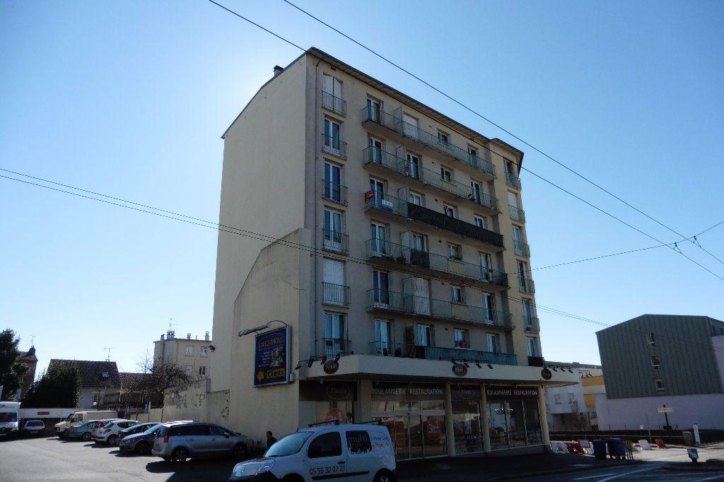 Appartement à louer 4 77.94m2 à Limoges vignette-8