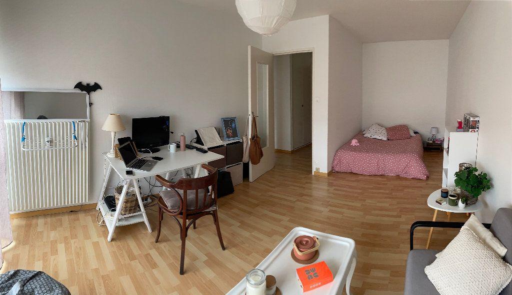 Appartement à louer 1 35.8m2 à Limoges vignette-2