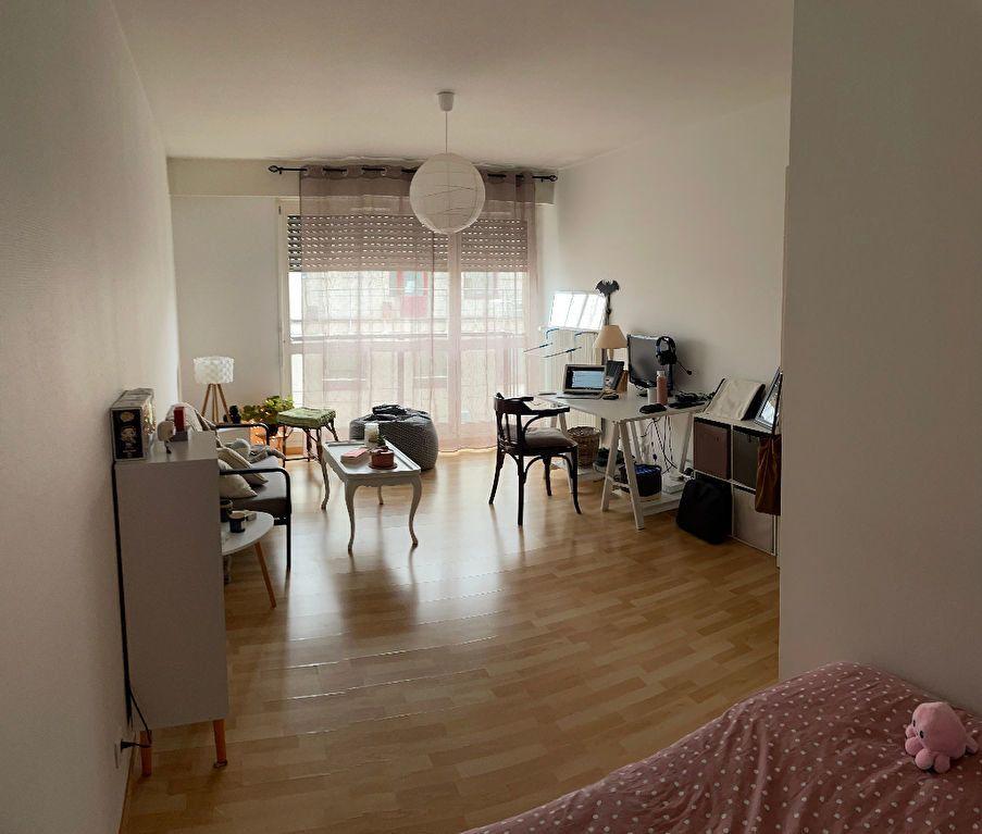 Appartement à louer 1 35.8m2 à Limoges vignette-3