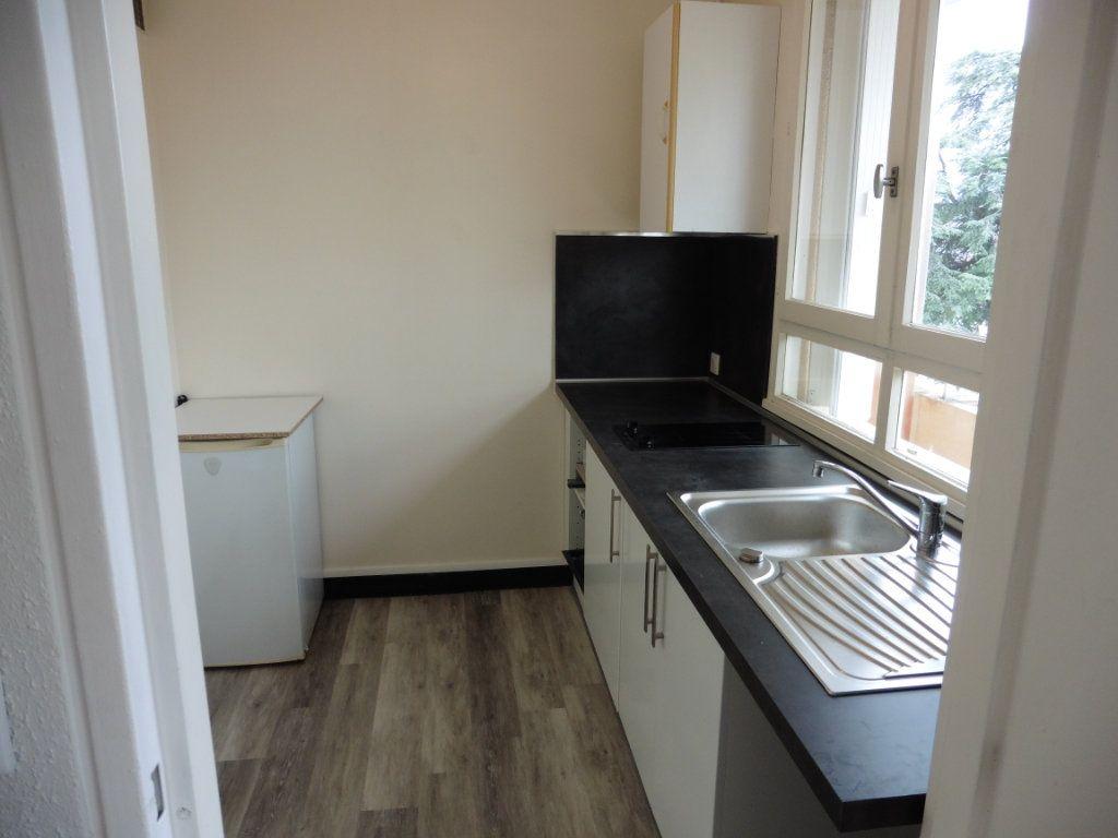 Appartement à louer 1 28.76m2 à Limoges vignette-1