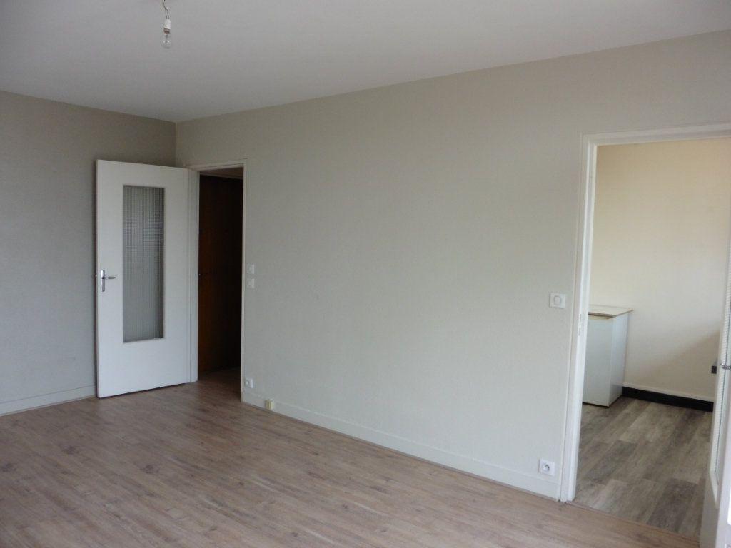 Appartement à louer 1 28.76m2 à Limoges vignette-2