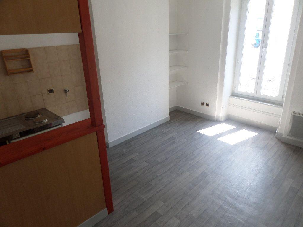 Appartement à louer 2 26.7m2 à Limoges vignette-2