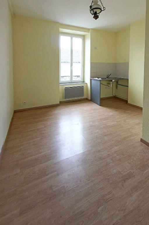 Appartement à louer 3 38m2 à Limoges vignette-1