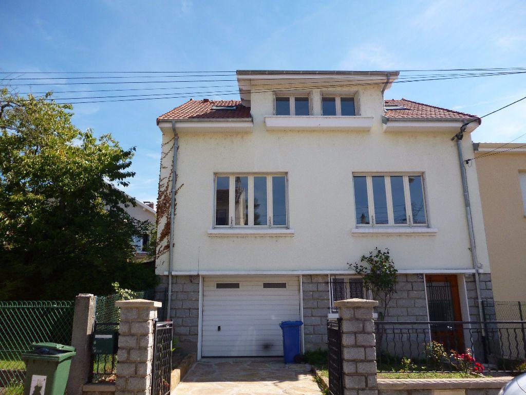 Maison à louer 6 117m2 à Limoges vignette-4
