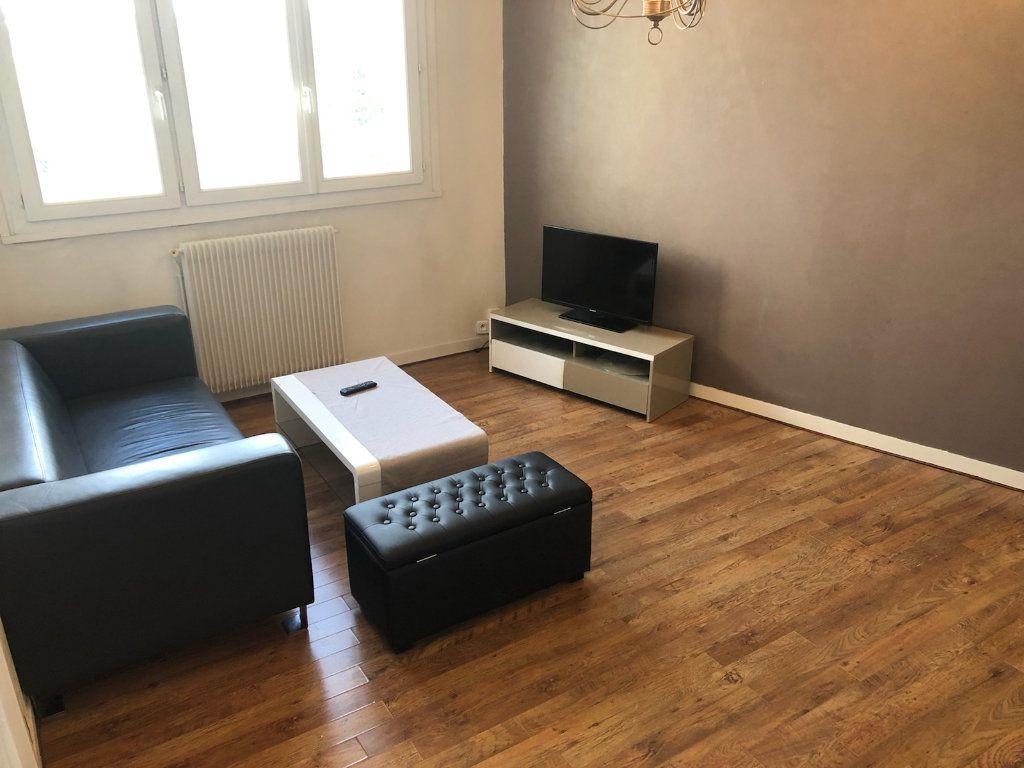 Appartement à louer 2 43.86m2 à Limoges vignette-3