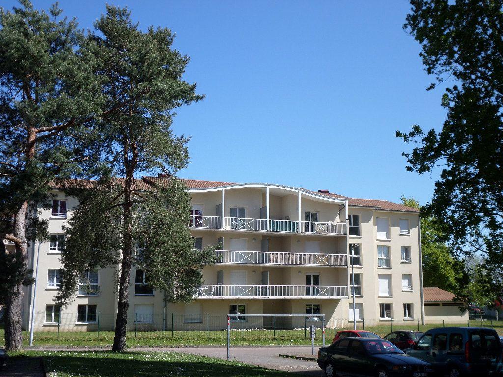 Appartement à louer 1 25.39m2 à Limoges vignette-1