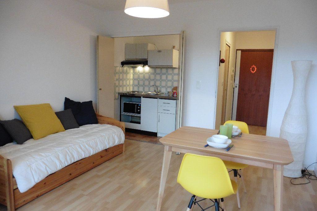 Appartement à louer 1 22.92m2 à Limoges vignette-4