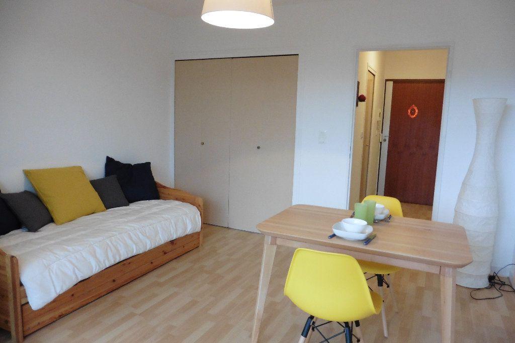 Appartement à louer 1 22.92m2 à Limoges vignette-5