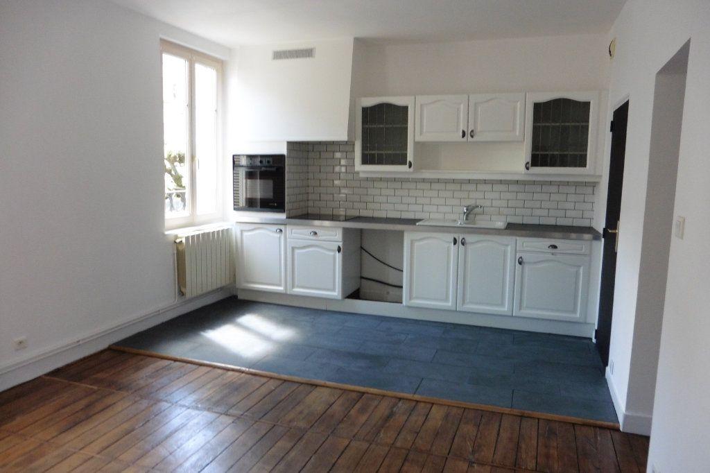Appartement à louer 4 94.9m2 à Limoges vignette-1