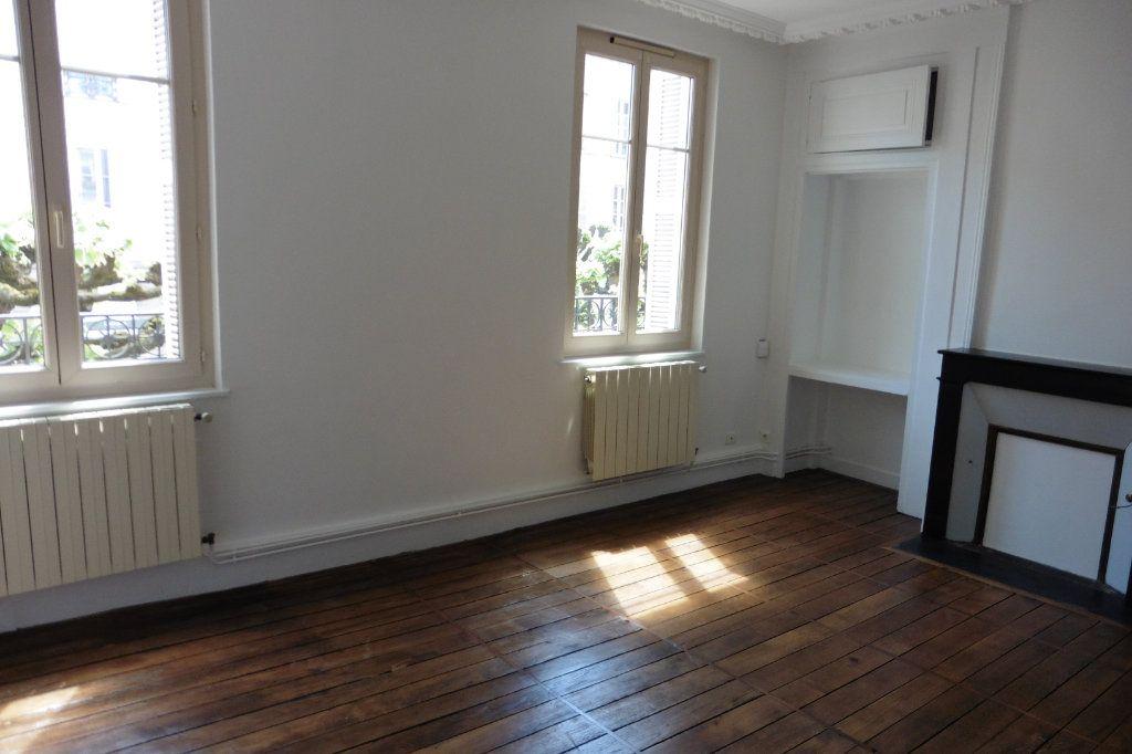 Appartement à louer 4 94.9m2 à Limoges vignette-2