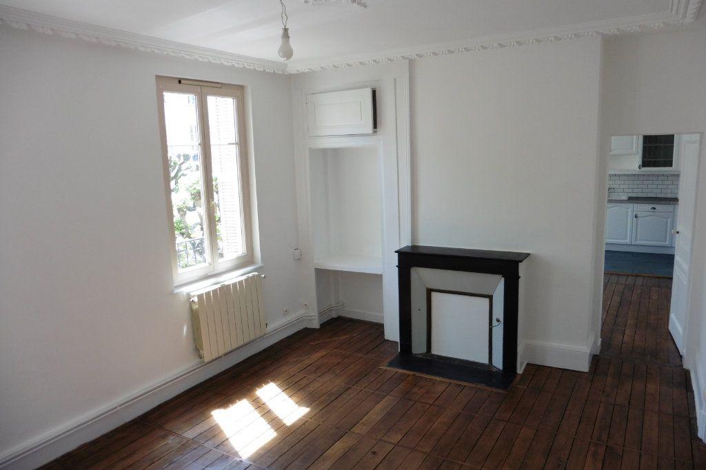 Appartement à louer 4 94.9m2 à Limoges vignette-3