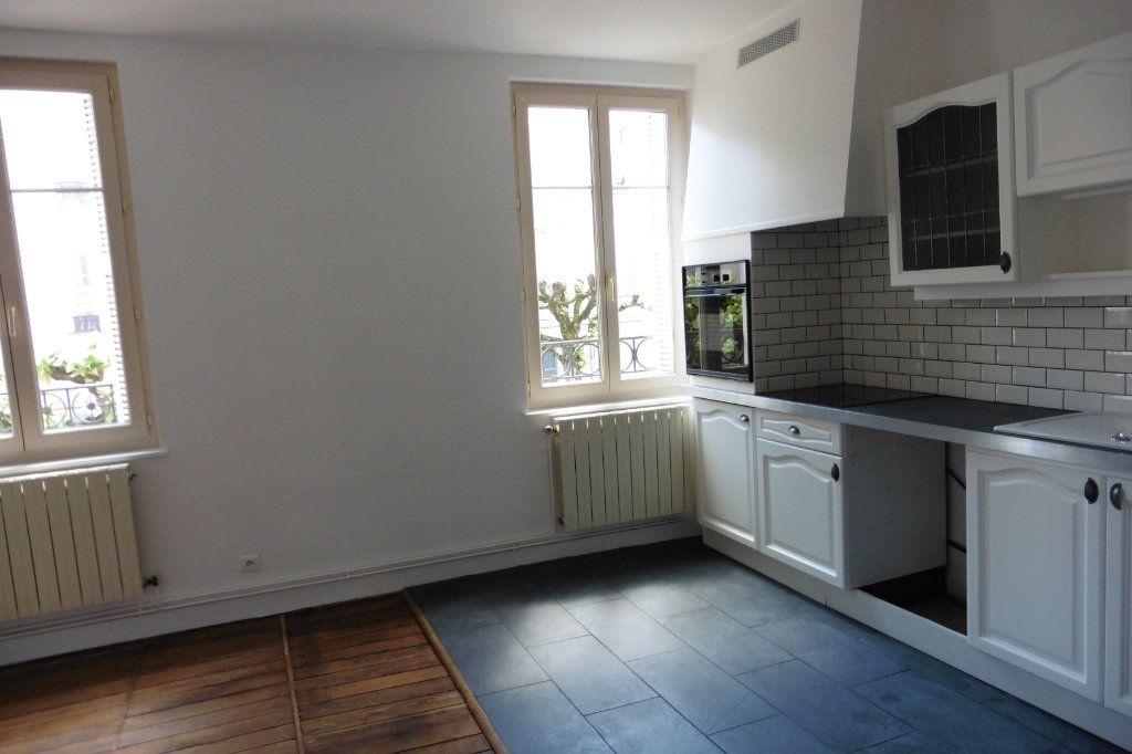 Appartement à louer 4 94.9m2 à Limoges vignette-6