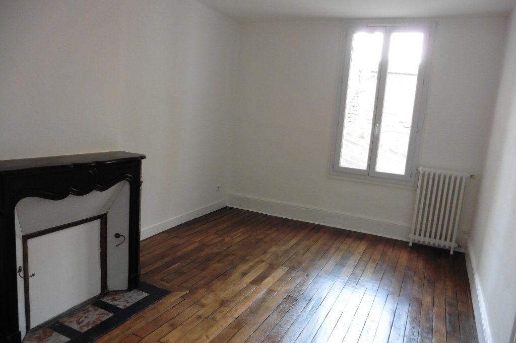 Appartement à louer 4 94.9m2 à Limoges vignette-8