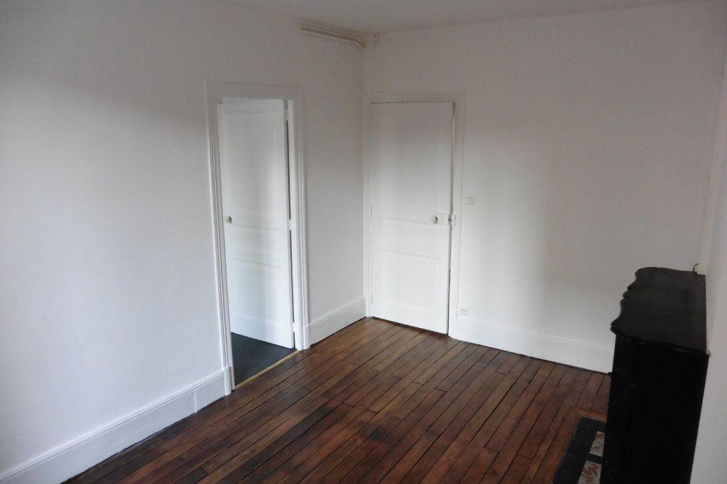 Appartement à louer 4 94.9m2 à Limoges vignette-9