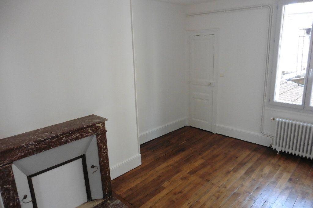 Appartement à louer 4 94.9m2 à Limoges vignette-10