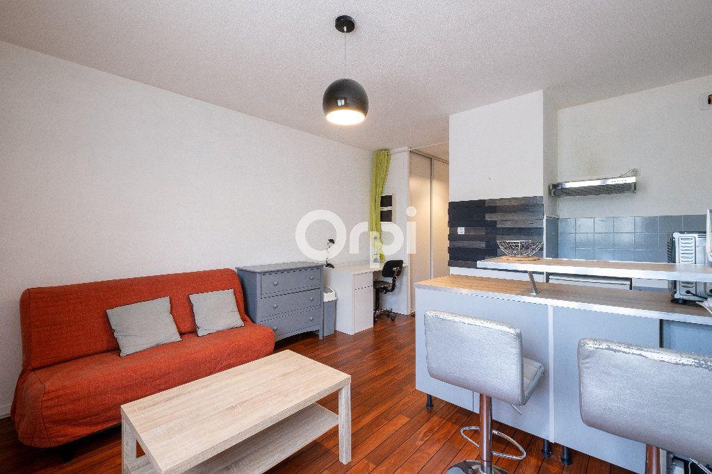 Appartement à louer 1 21.65m2 à Limoges vignette-1