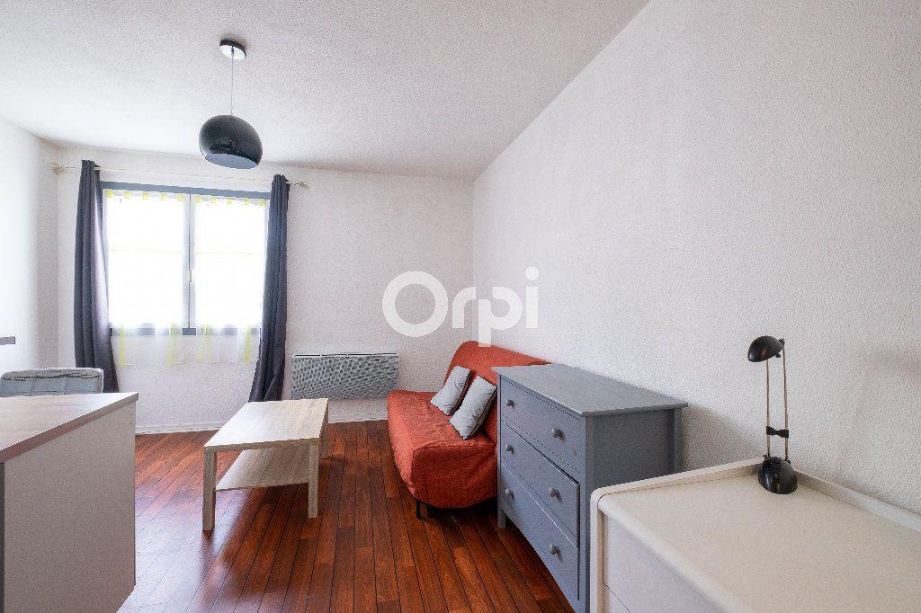 Appartement à louer 1 21.65m2 à Limoges vignette-2