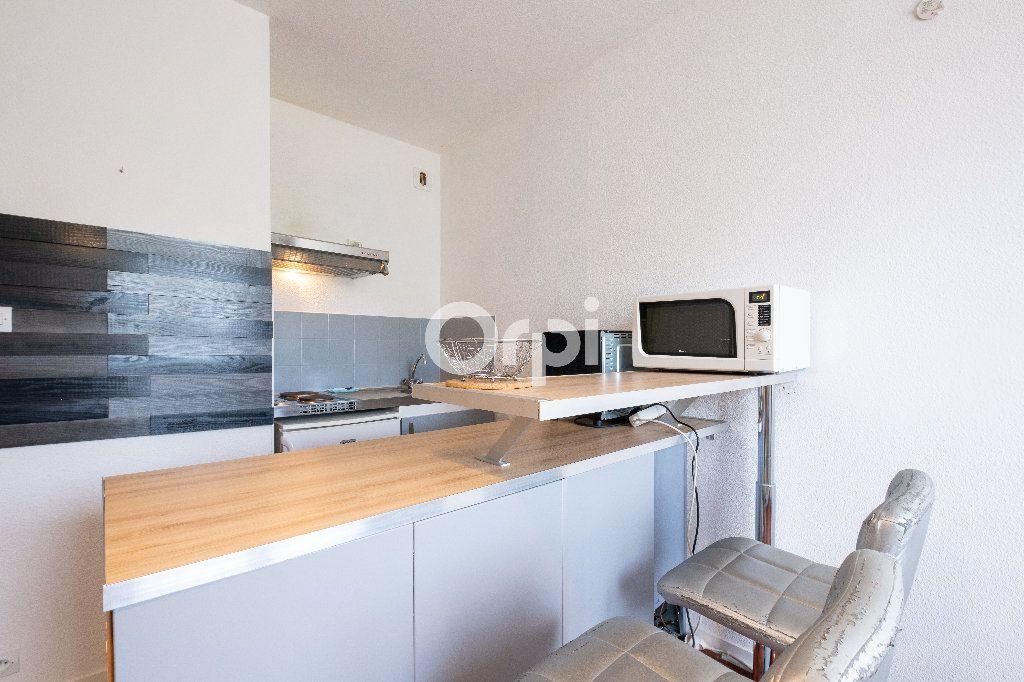 Appartement à louer 1 21.65m2 à Limoges vignette-3