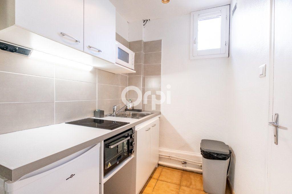 Appartement à louer 1 22.26m2 à Limoges vignette-1