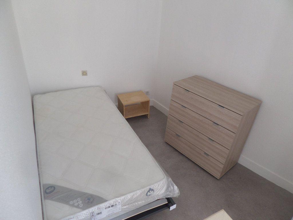 Appartement à louer 1 15m2 à Limoges vignette-3