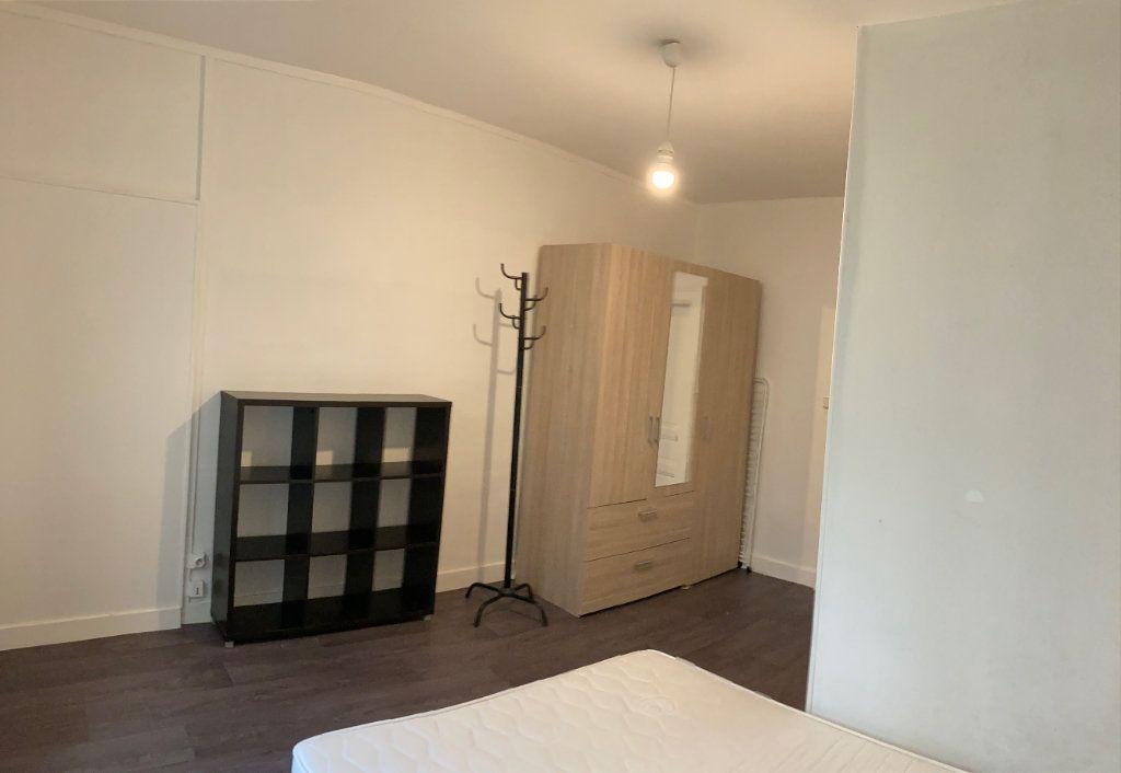 Appartement à louer 2 32m2 à Limoges vignette-3