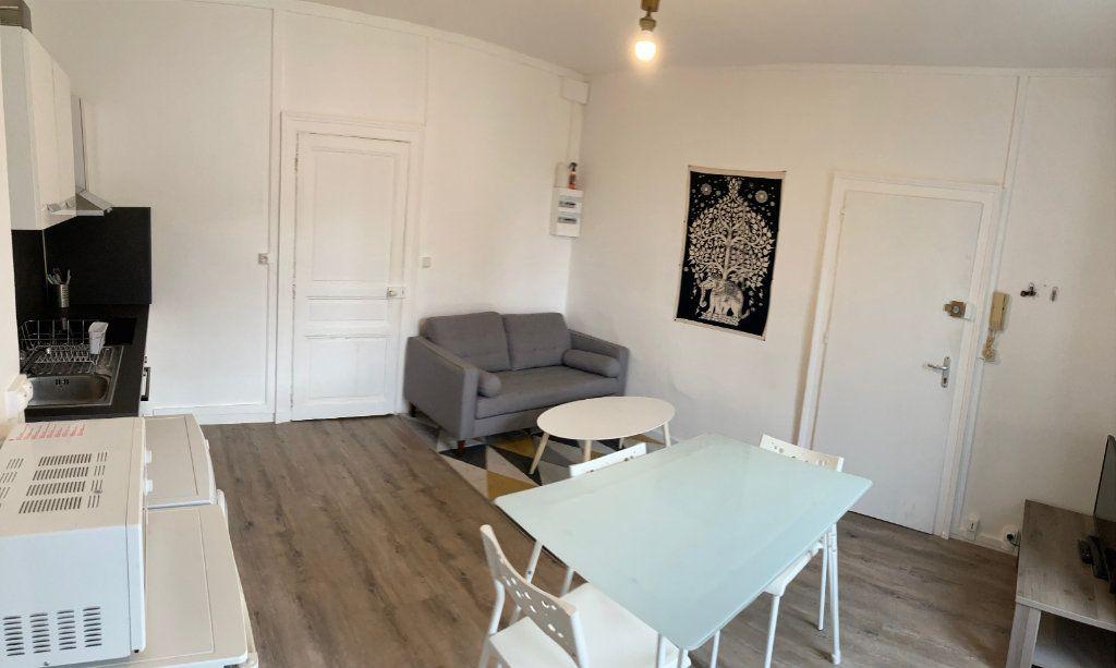Appartement à louer 2 32m2 à Limoges vignette-4