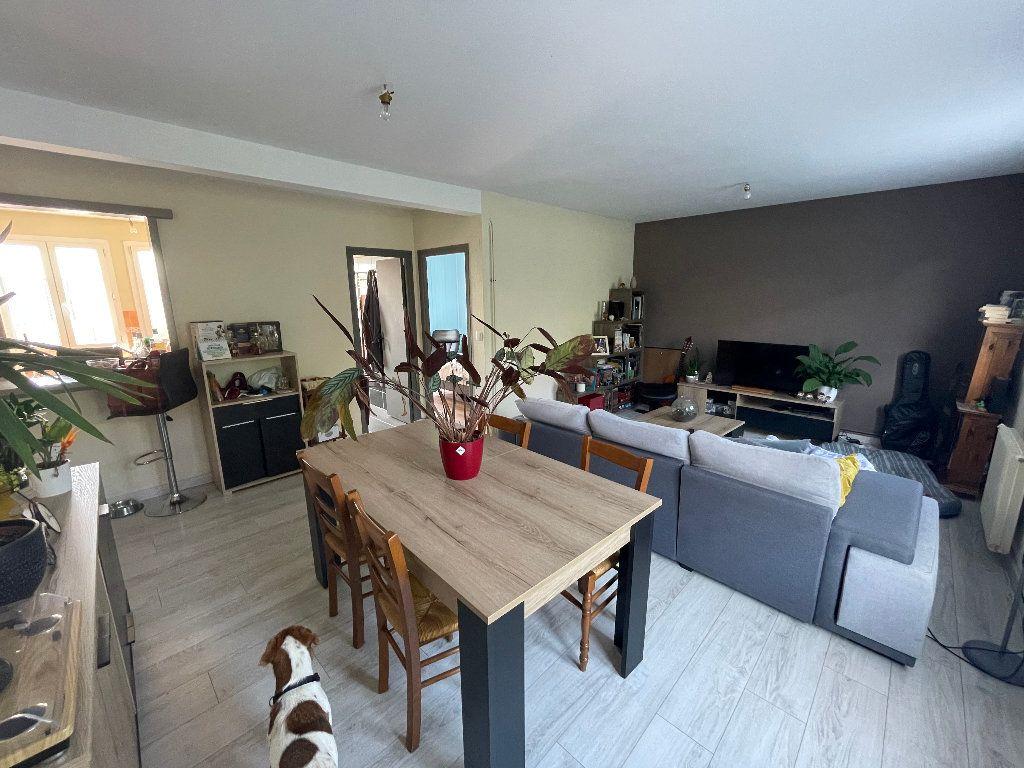 Appartement à louer 3 58.25m2 à Limoges vignette-2