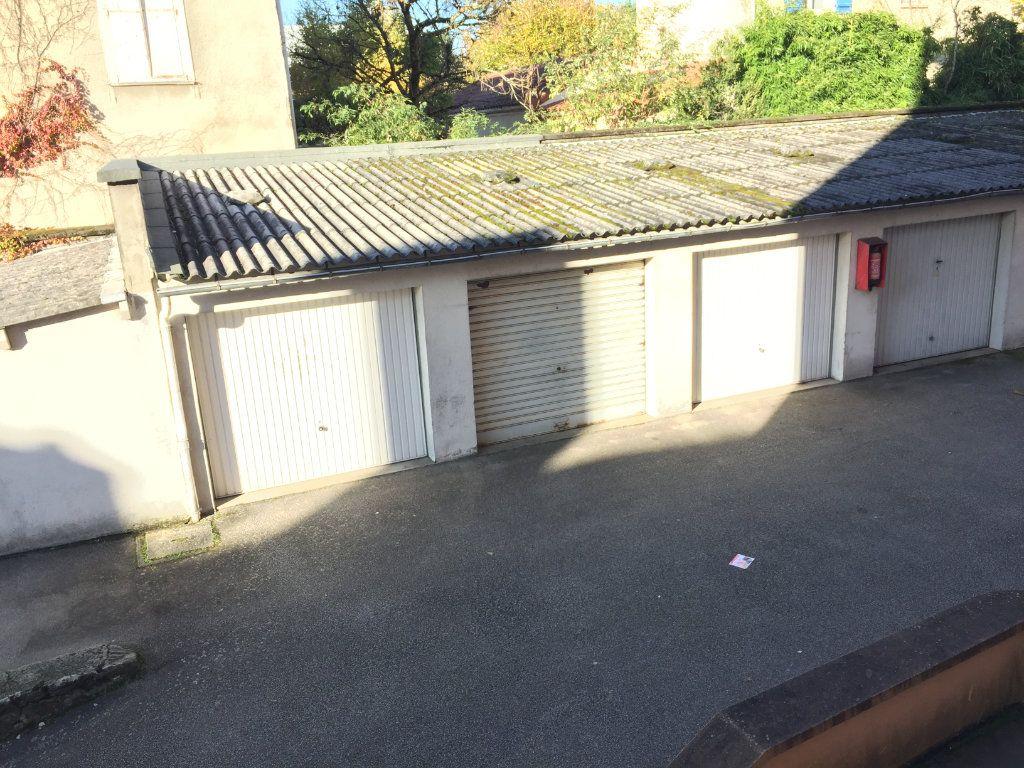 Appartement à louer 3 55m2 à Limoges vignette-9