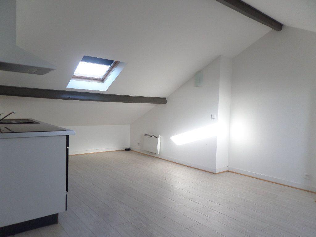Appartement à louer 3 36m2 à Limoges vignette-4
