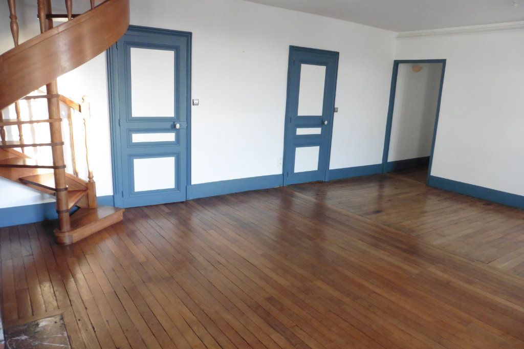 Appartement à louer 4 94.05m2 à Limoges vignette-4