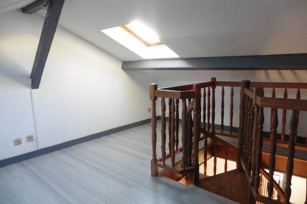Appartement à louer 4 94.05m2 à Limoges vignette-5