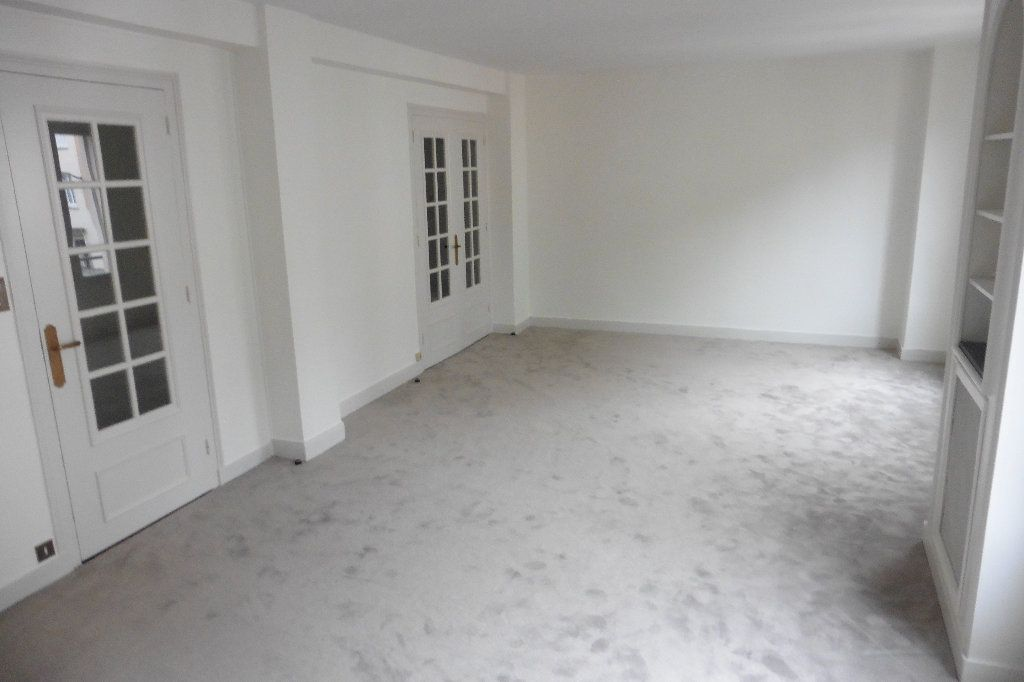 Appartement à louer 4 92.82m2 à Limoges vignette-1