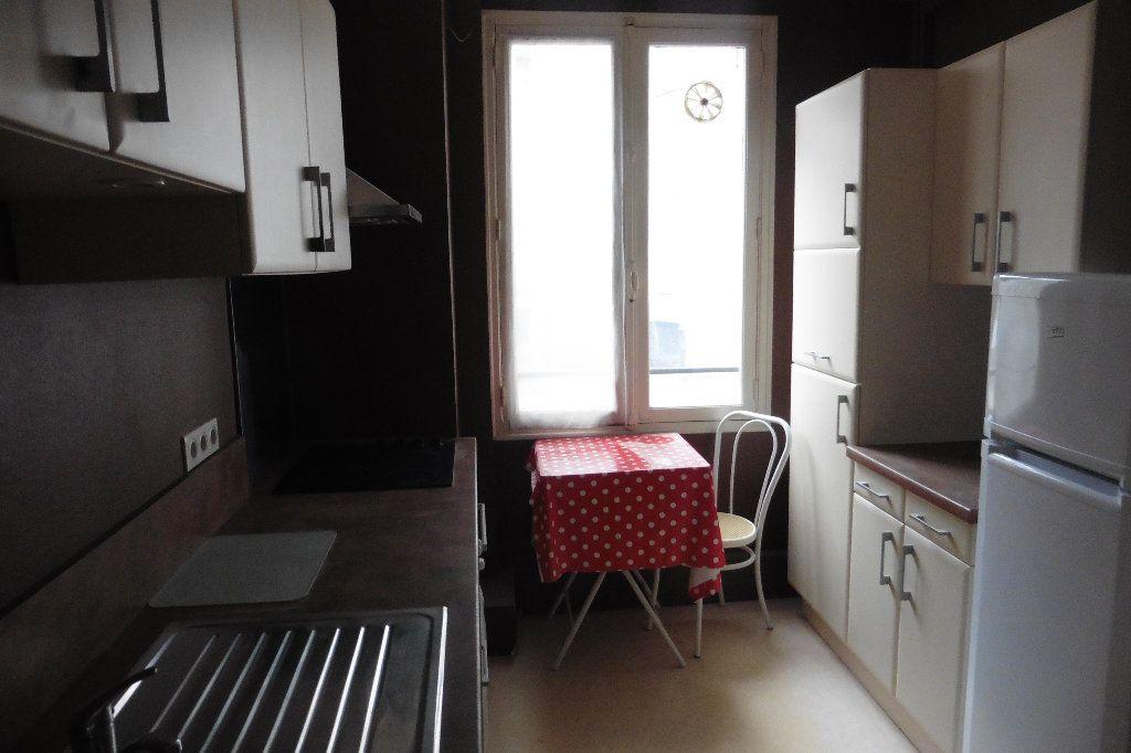 Appartement à louer 4 92.82m2 à Limoges vignette-4