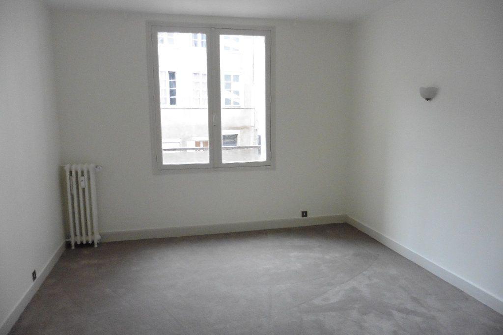 Appartement à louer 4 92.82m2 à Limoges vignette-5