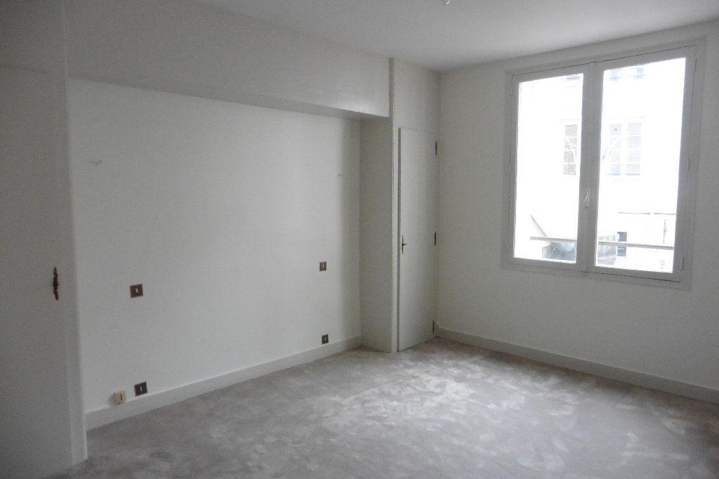 Appartement à louer 4 92.82m2 à Limoges vignette-6