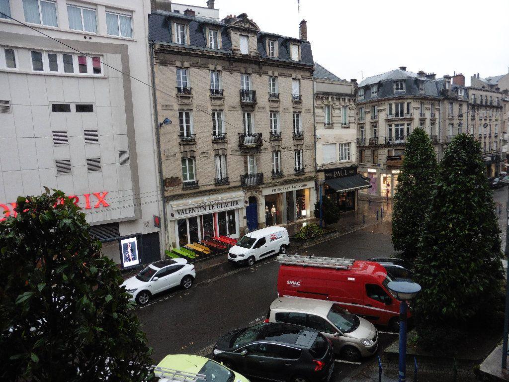 Appartement à louer 4 92.82m2 à Limoges vignette-7