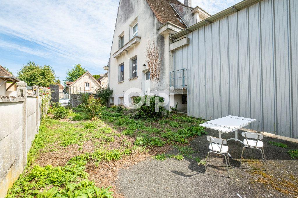 Immeuble à vendre 0 300m2 à Pierre-Buffière vignette-3