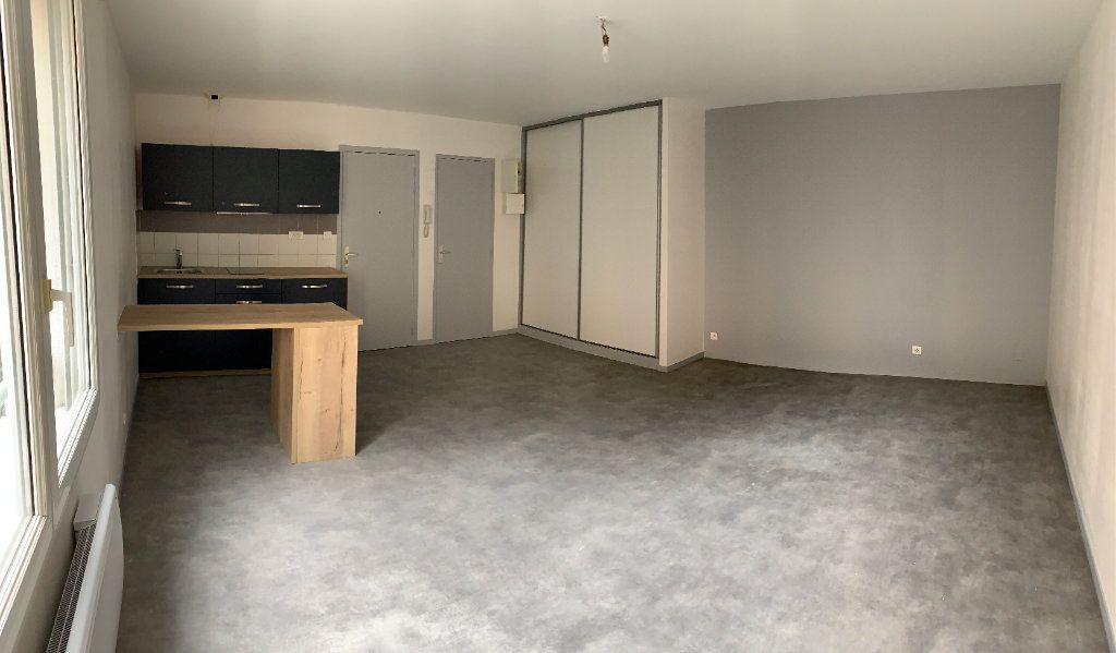 Appartement à louer 1 32.1m2 à Limoges vignette-1