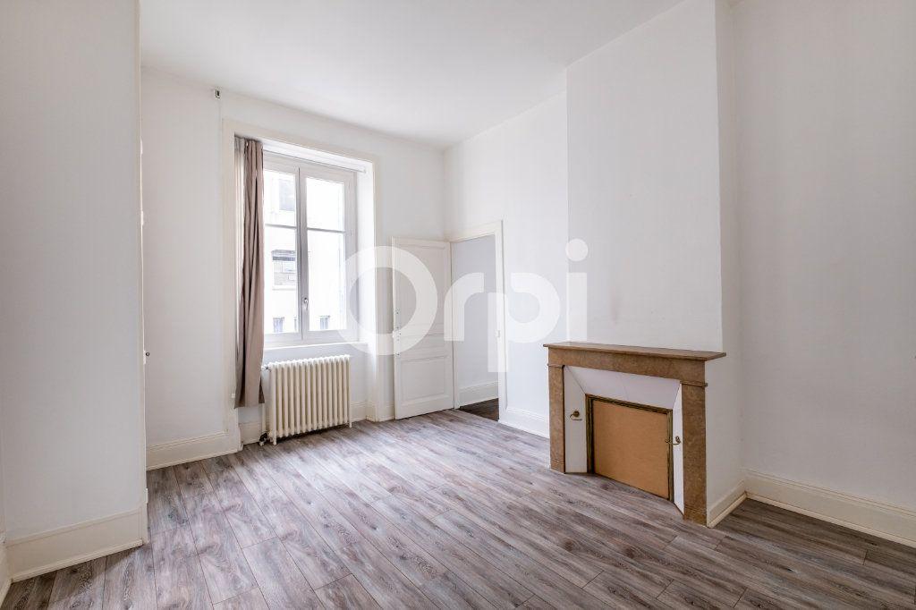 Appartement à louer 2 63m2 à Limoges vignette-2