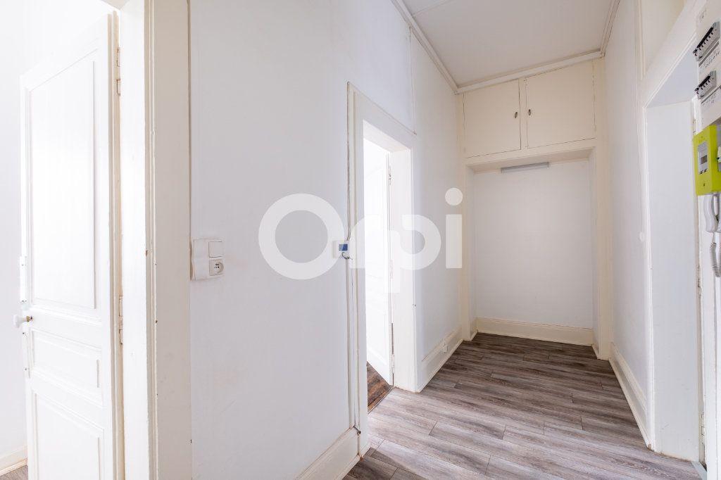 Appartement à louer 2 63m2 à Limoges vignette-6