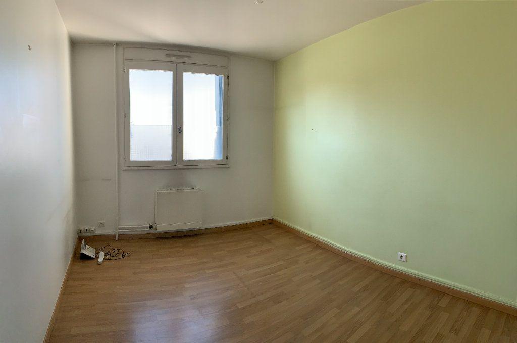Appartement à vendre 6 118.73m2 à Aixe-sur-Vienne vignette-3