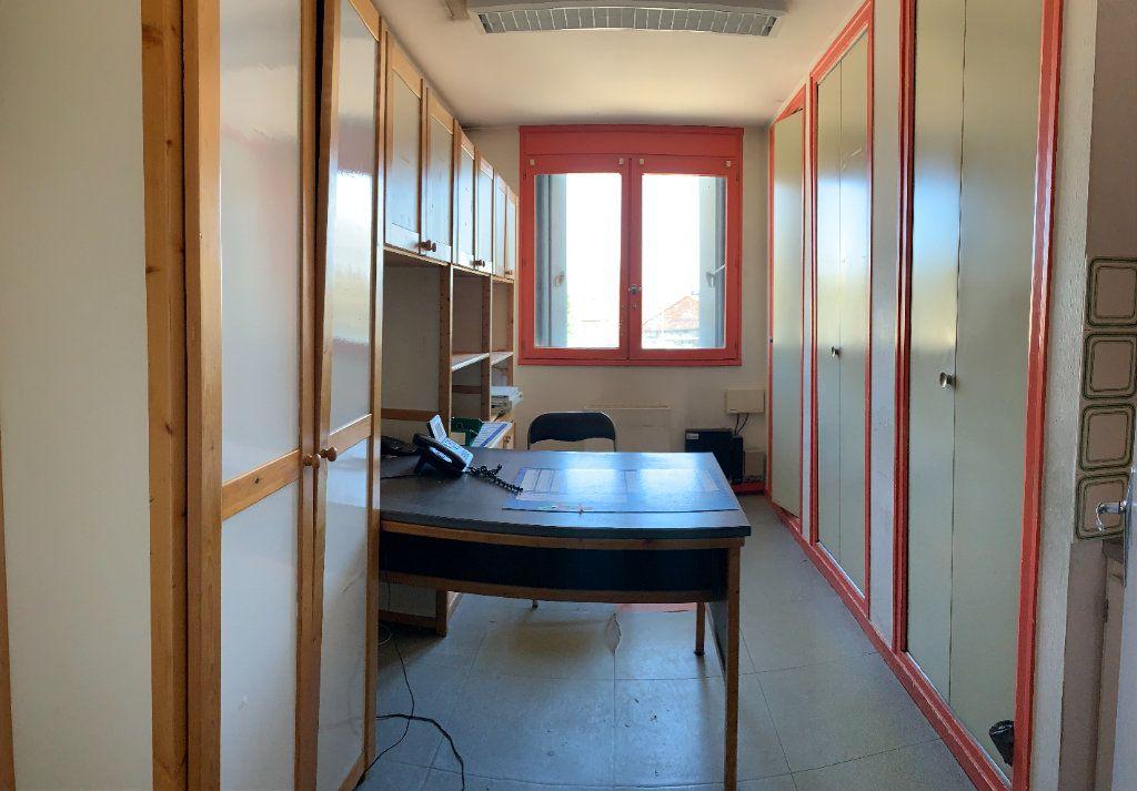 Appartement à vendre 6 118.73m2 à Aixe-sur-Vienne vignette-6