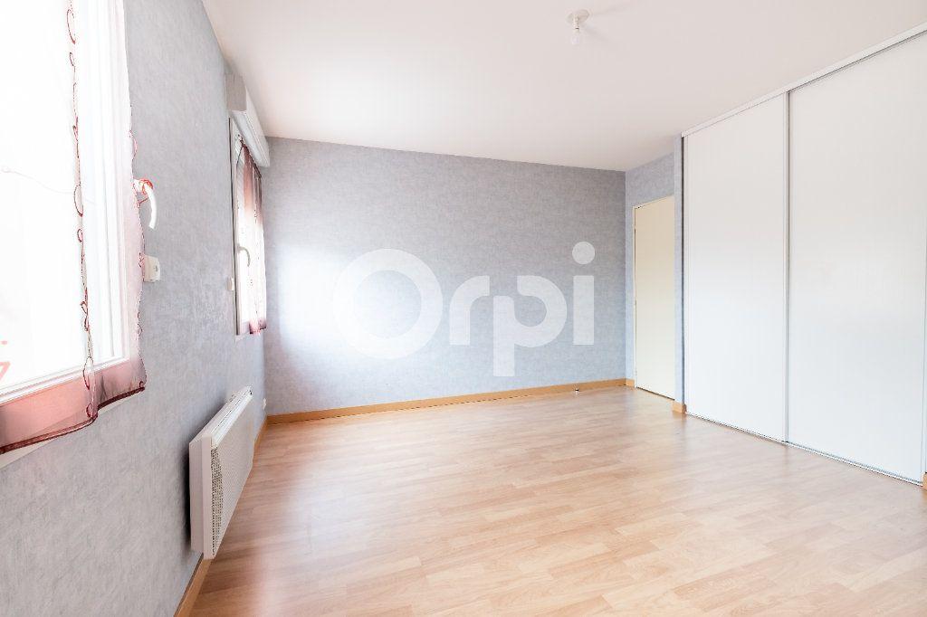 Appartement à vendre 4 95.56m2 à Limoges vignette-3