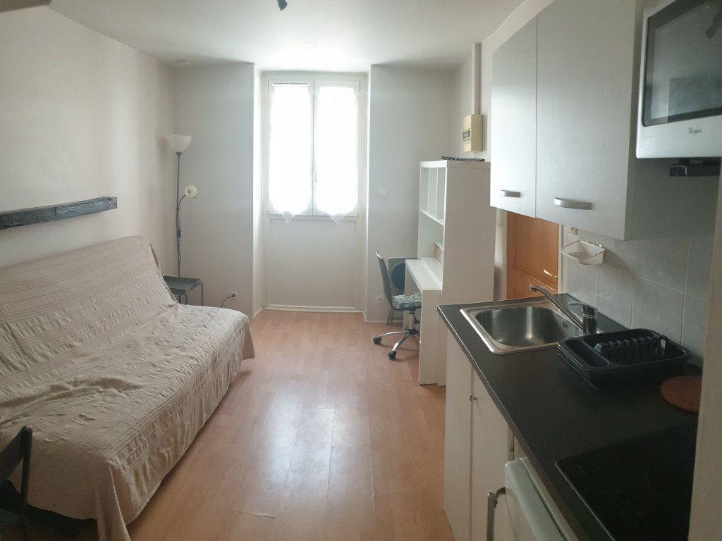 Appartement à louer 1 13m2 à Limoges vignette-1
