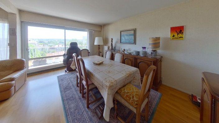 Appartement à vendre 5 95.83m2 à Limoges vignette-2