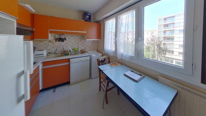 Appartement à vendre 5 95.83m2 à Limoges vignette-6